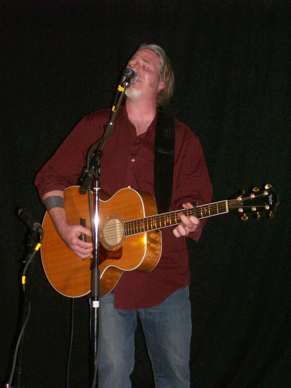 Jon Brooks at the Black Walnut Folk Club November 16, 2007